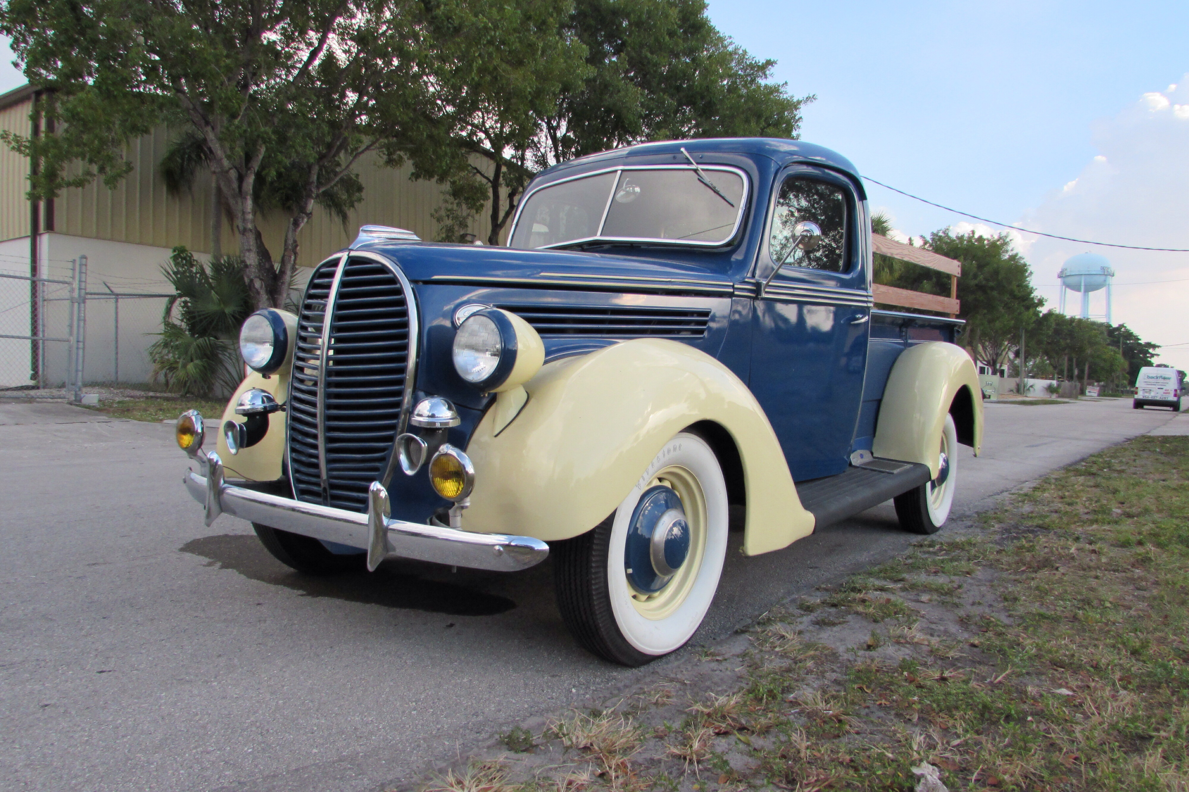 Ft. Lauderdale Beach - Collector Car Auction! - Presented By Dave Rupp!